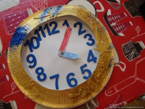 Teaching time: Paper plate pocket watch