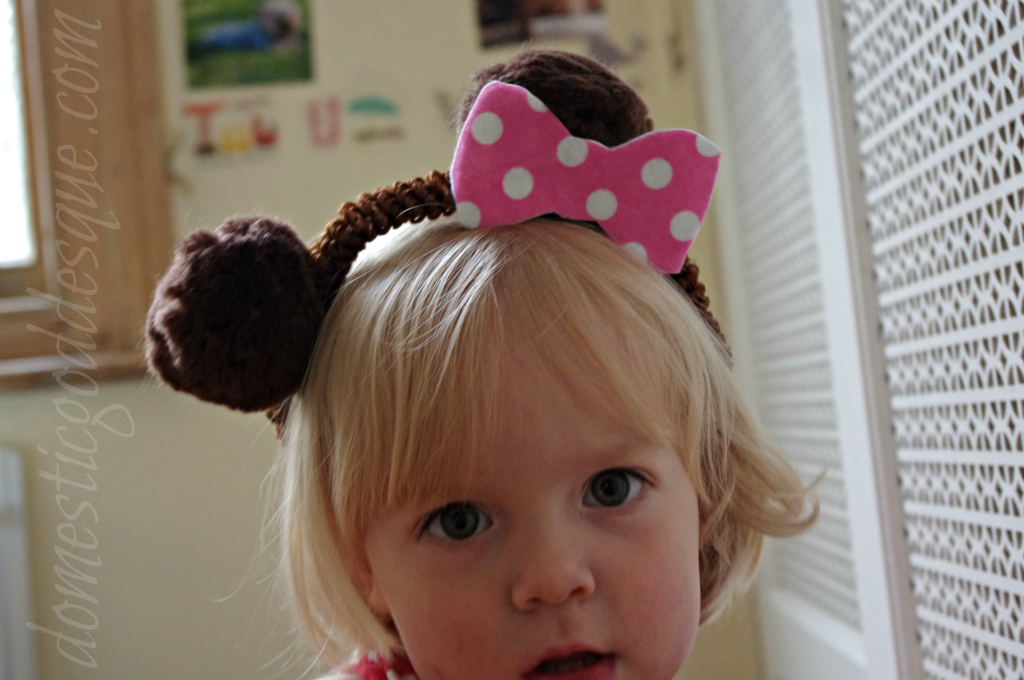 bear ears from pipe cleaners