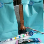 what to put in a Frozen party bag